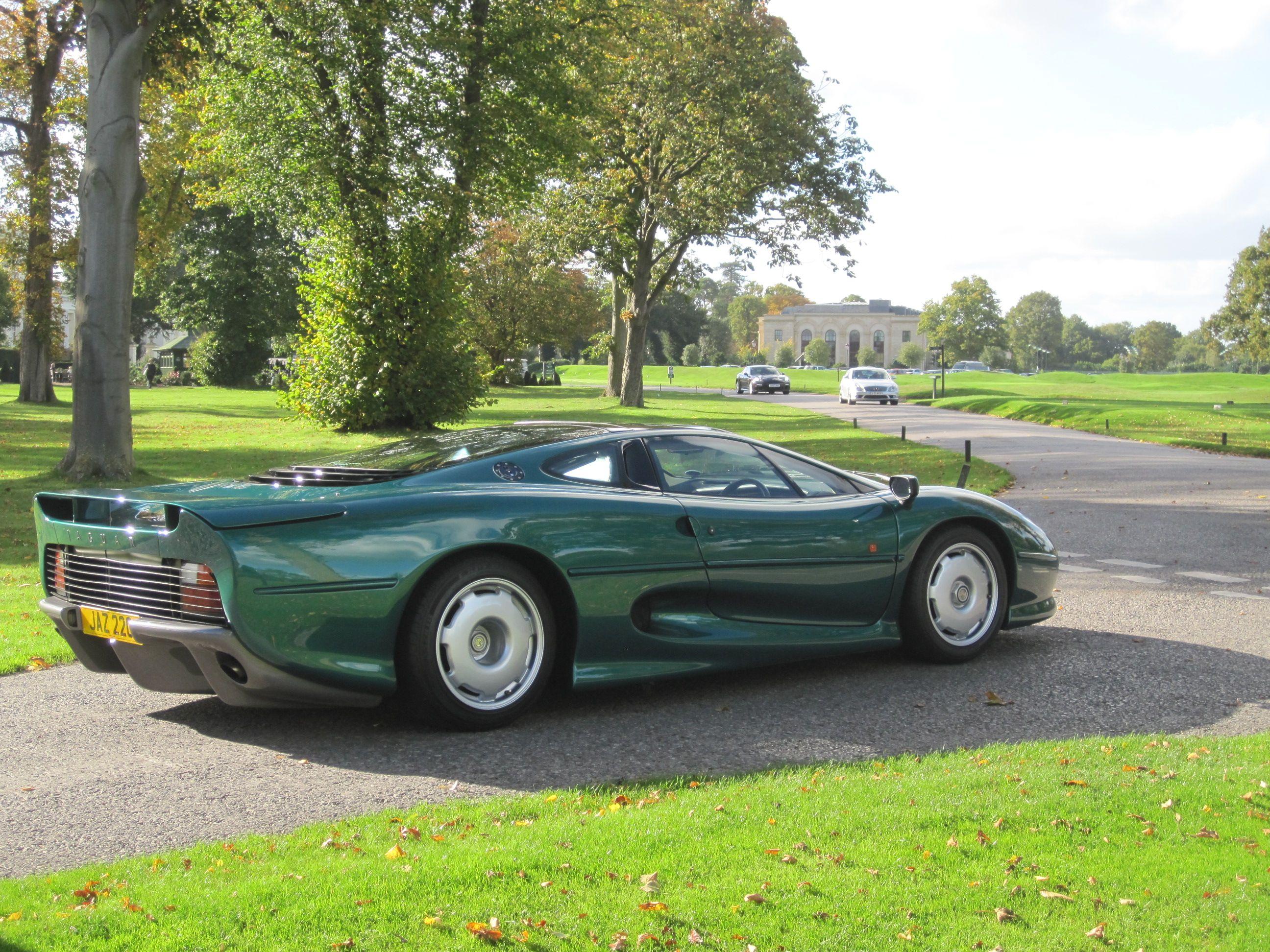 Ex Brunei Royal Family Jaguar Xj220 Up For Auction Jaguar Xj220 Jaguar Jaguar Car
