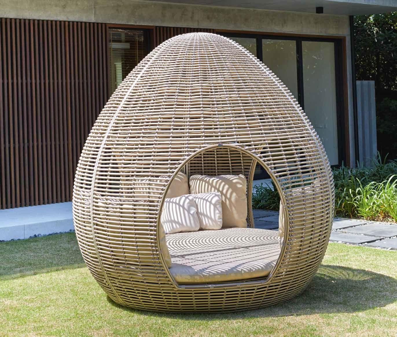Mobiliario de exterior, realizado en mimbre - Outdoor furniture ...