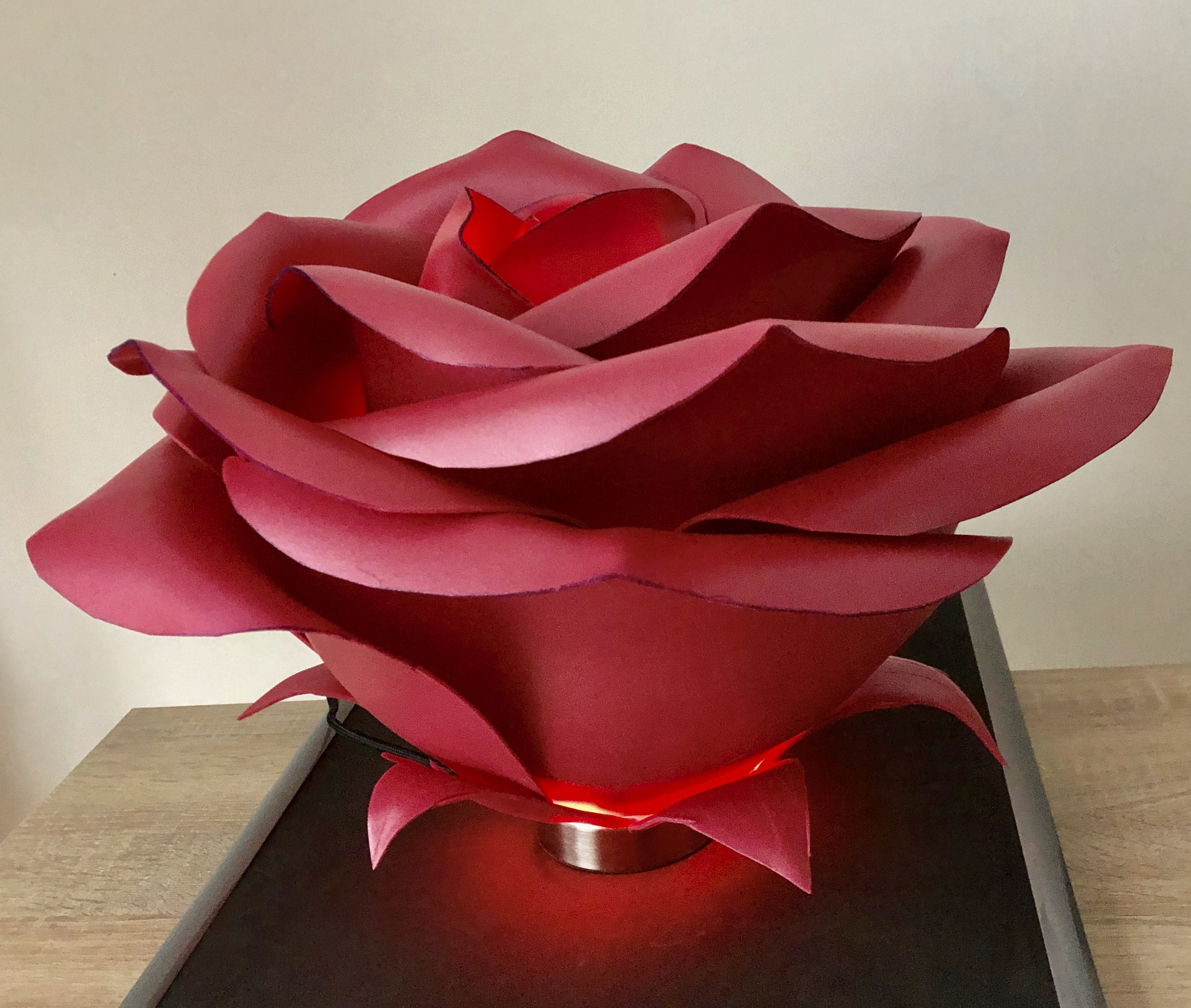 Table Lamp With Wine Red Rose In 2020 Flower Lamp Giant Flowers Red Roses