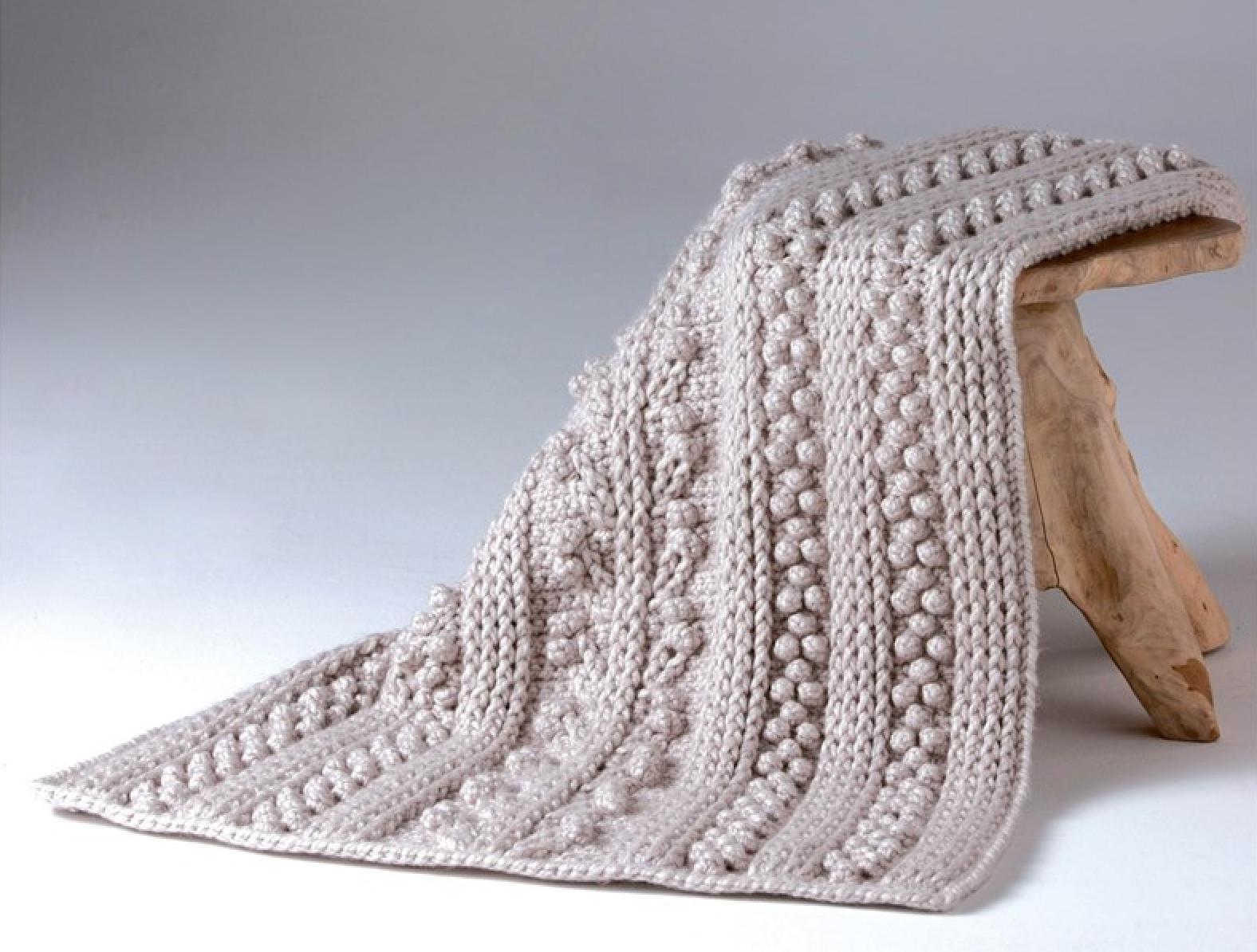 Breipatroon Plaid Met Kabels.Gratis Haakpatroon Kabeldeken Crochet Blankets Haken
