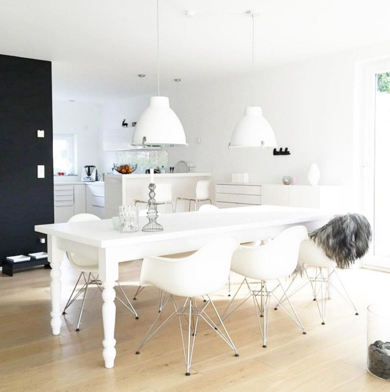 Elegant Esstisch Weisse Industrielampen. Esszimmer EinrichtenRundHausWohnzimmer Esszimmer