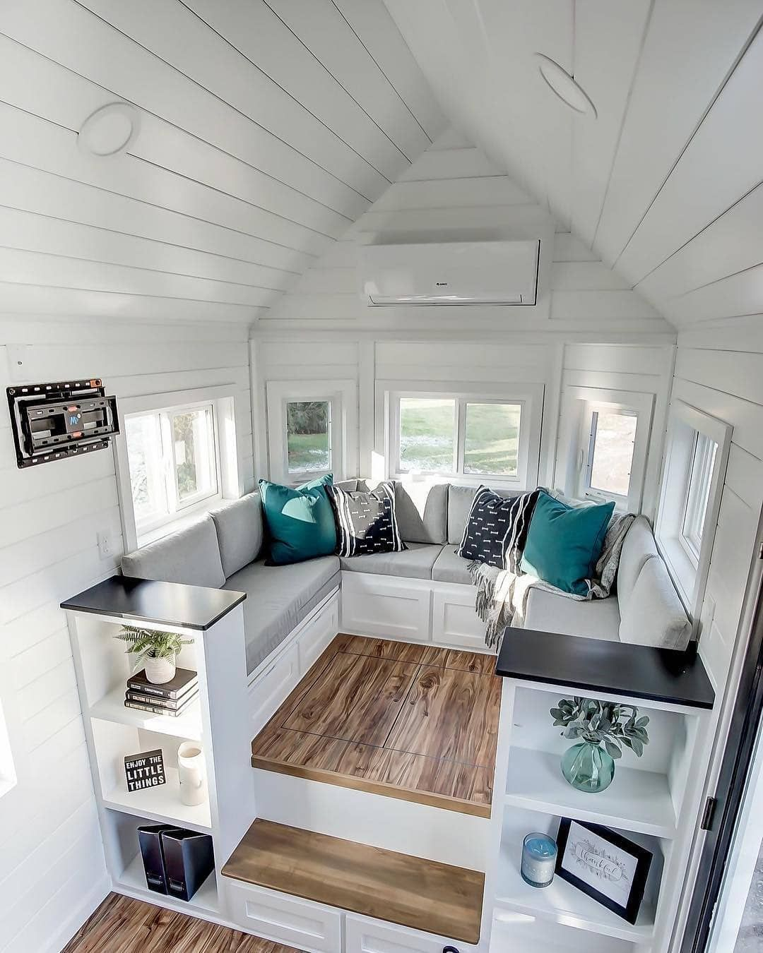 Tiny House Hunter On Instagram What Do You Think Of This Cute Sitting Area Is This A Tiny House Interior Design Tiny House Interior Tiny House Closet