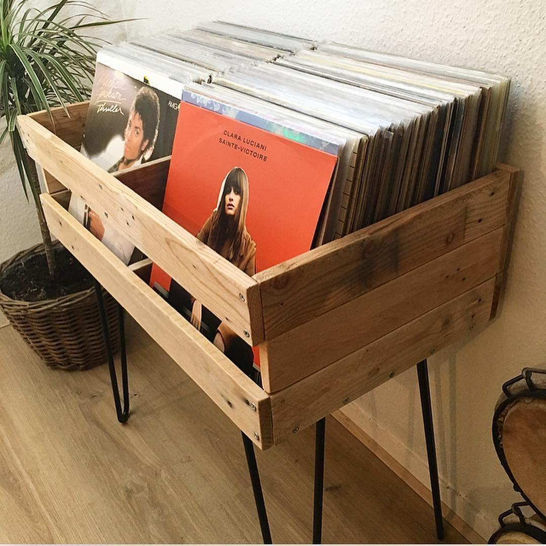 A Gamme De Meuble Vinyles S Etoffe Avec Ce Nouveau Modele De Deux Casiers Meublevintage Meub In 2020 Turn Table Vinyl Vinyl Record Storage Vinyl Storage