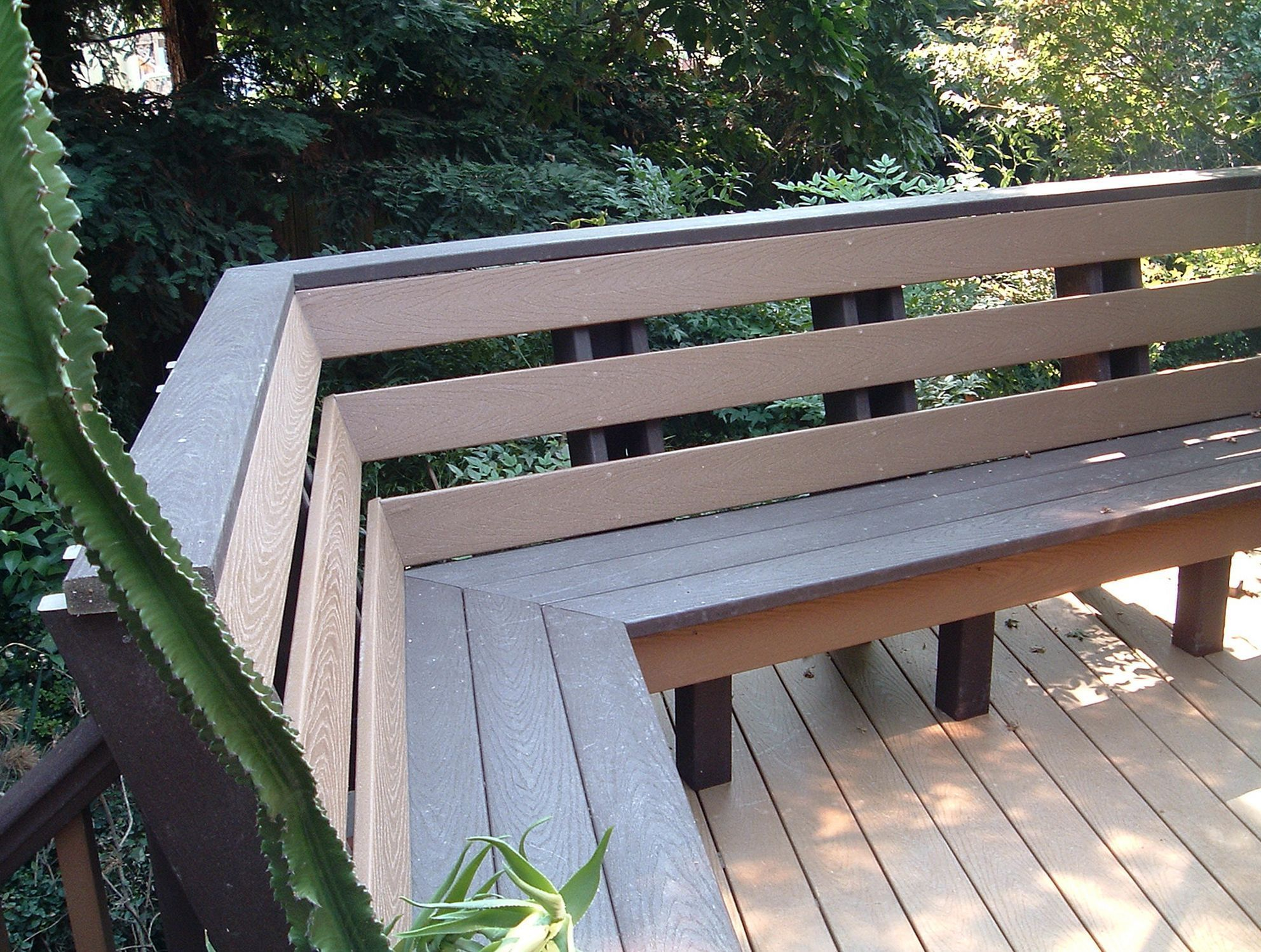 Built In Deck Benches With Backs Decoredo Deck Bench Deck Bench Seating Deck Seating