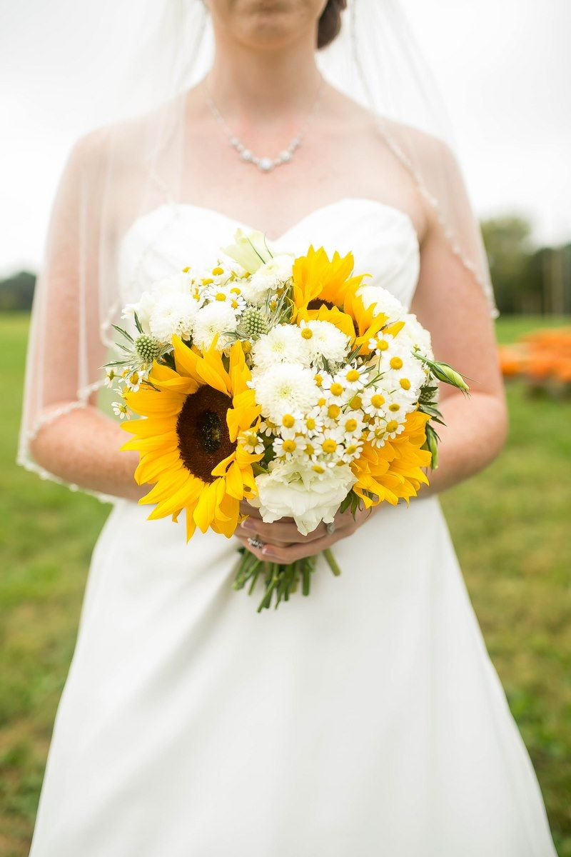 19b-brides-bouquet-sunflowers-daisy-carnations.jpg (800×1200 ...