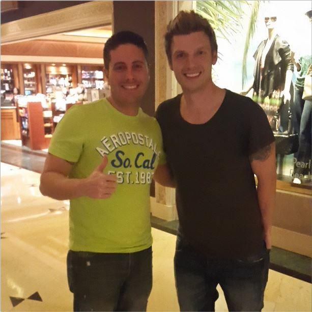 Radio-bsb: Nueva Foto: Nick con fan