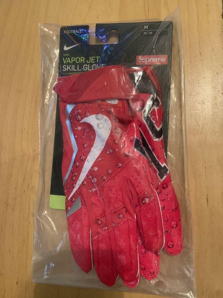 Supreme Nike Vapor Jet 4 0 Football Gloves Medium Fw18 Brand New Never Opened Fashion Clothing Shoes Accessories Mensa Football Gloves Nike Vapor Gloves