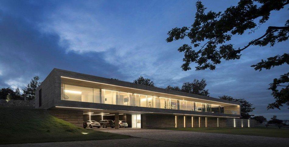 Incroyable Impressionnante Maison Contemporaine Tout En Longueur Et En Béton,  #construiretendance