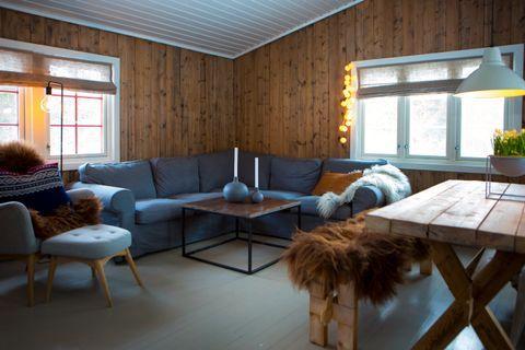 Photo of En drømmehytte på 42 kvadrat: – Uten store midler fremstår nå hytta som kose…