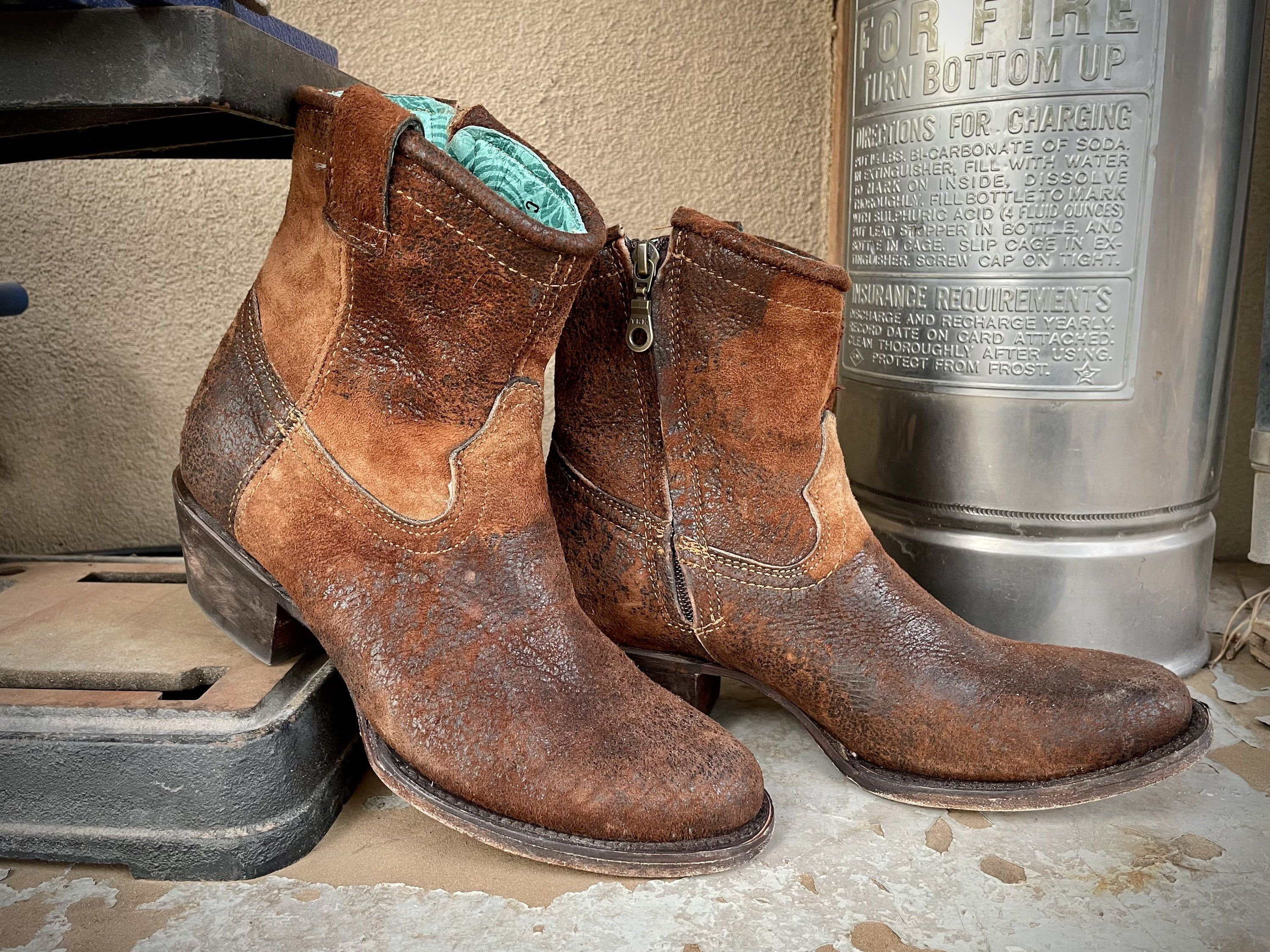 80s Cowgirl boots size 7 Brown Leather Pull Ups Vintage Distressed Country Western Womens Cowboy Jeweled Boots Country Barn Wedding