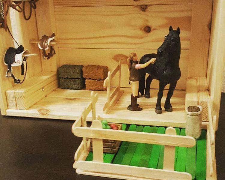 Aus Der Ikea Knagglig Box Kannst Du Einen Pferdestall Selber Bauen