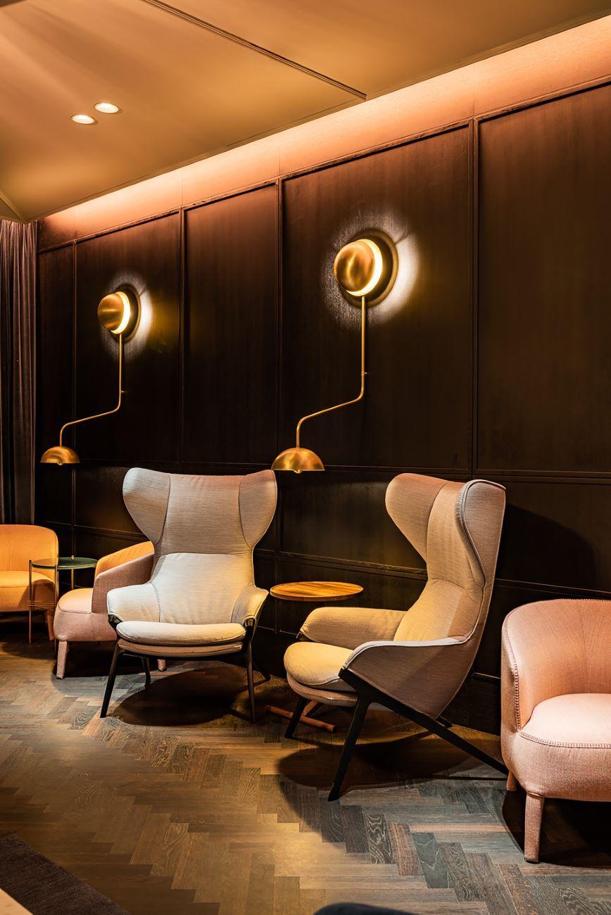 Hotel Maximilian Classic Furniture Luxury Living