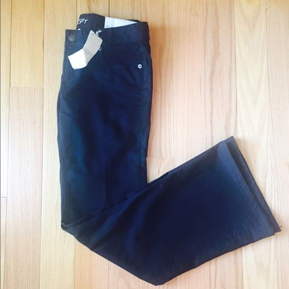 "NEW LOFT Modern Flare Jeans NWT. Black Modern Flare Jeans. Right in trend for the fall season!  These measure approx 14 1/2"" across waist when laying flat. Inseam is 30"". no trade no PPno holdsPRICE IS FIRM UNLESS BUNDLED LOFT Jeans Flare & Wide Leg"