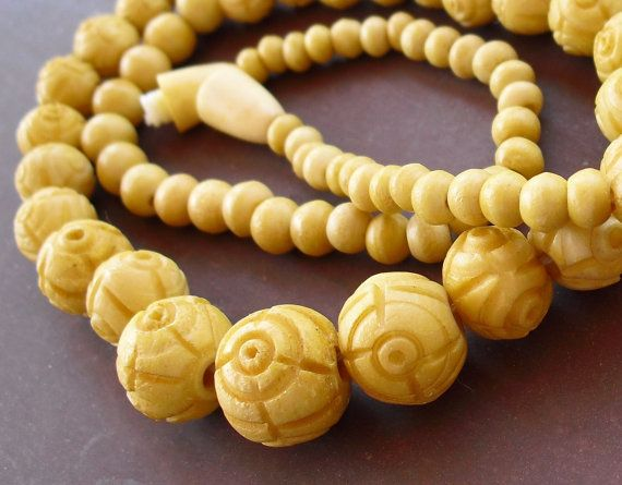 Vintage Carved Bone Bead Necklace Hand Carved By Buyvintagejewelry Bone Bead Necklace Antique Art Deco Jewelry Vintage Jewerly
