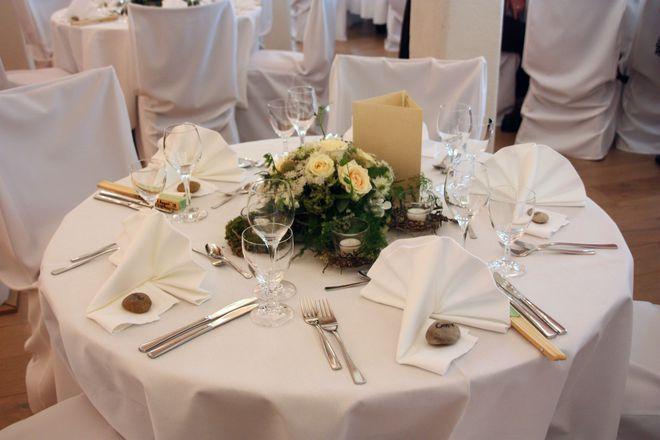 Blumendeko Runder Tisch Bildergalerie Hochzeitsportal24 Hochzeit Deko Tisch Runde Tische Hochzeit Tischdekoration Hochzeit