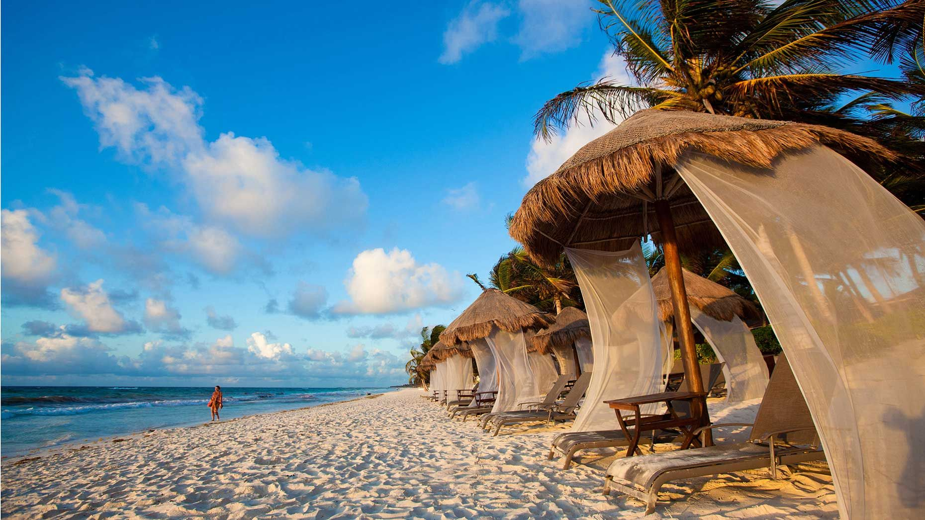Hawaii vs. Mexico: Two destinations, one sun
