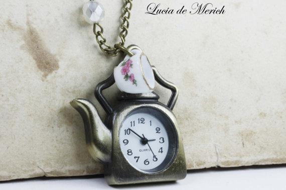 VALENTINE'S GIFT  Alice in Wonderland Teapot by luciademerich