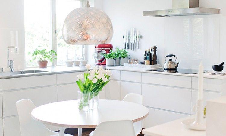 5x Designer Eetkamerstoelen : Hay loop stand round table interiors table kitchen dinning kitchen
