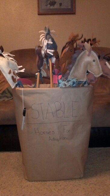 Birthday Party Favors.  DIY Felt stick horses!