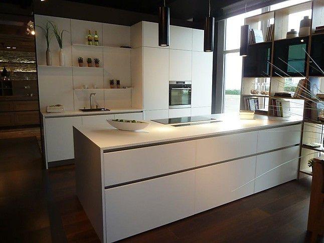 Milano küchenwerk ~ Ewe musterküche designküche schlicht weiß: ausstellungsküche in