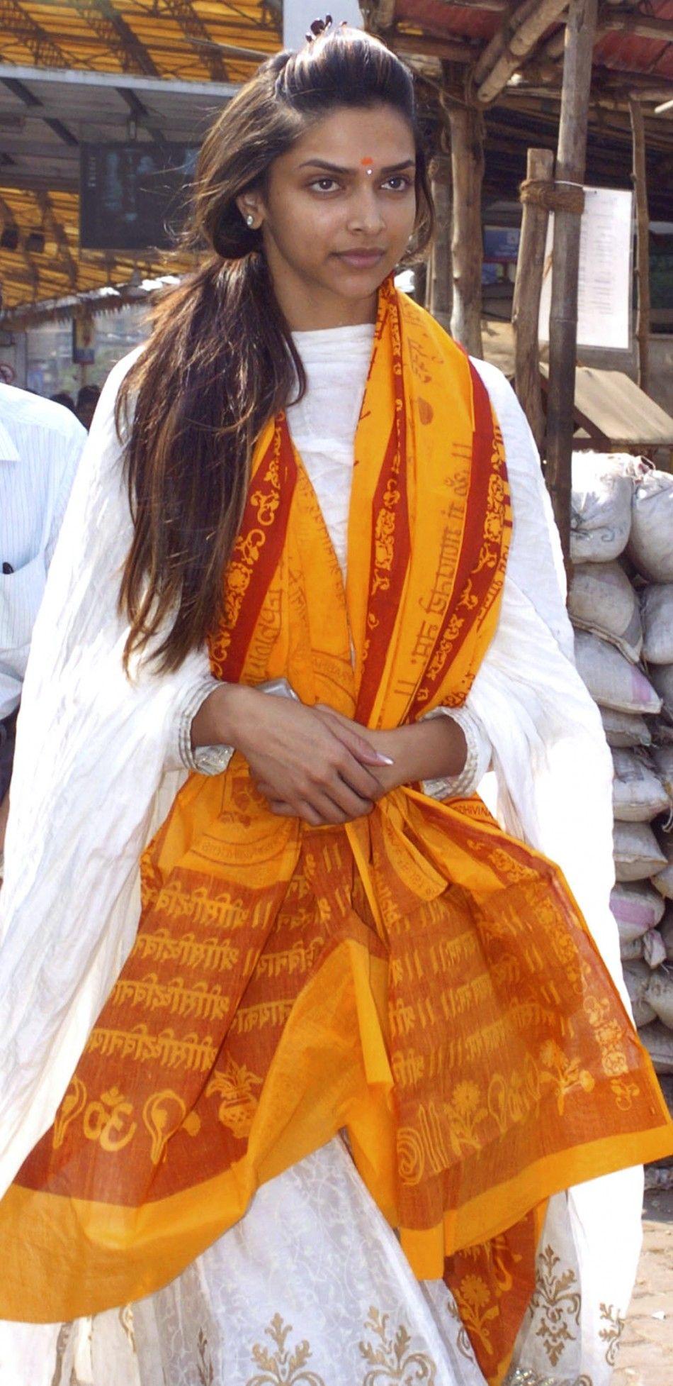 Bollywood Actress Deepika Padukone Without Makeup Bollywood Actress Without Makeup Actress Without Makeup Celebs Without Makeup
