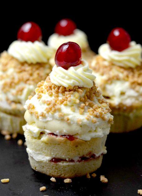 Frankfurter Kranz Cupcakes #donutcake