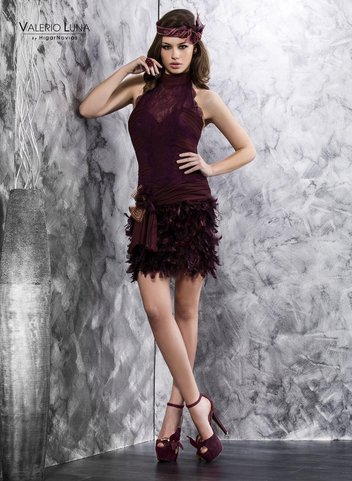 Vestido de fiesta de encaje, blonda y pluma perteneciente a la ...