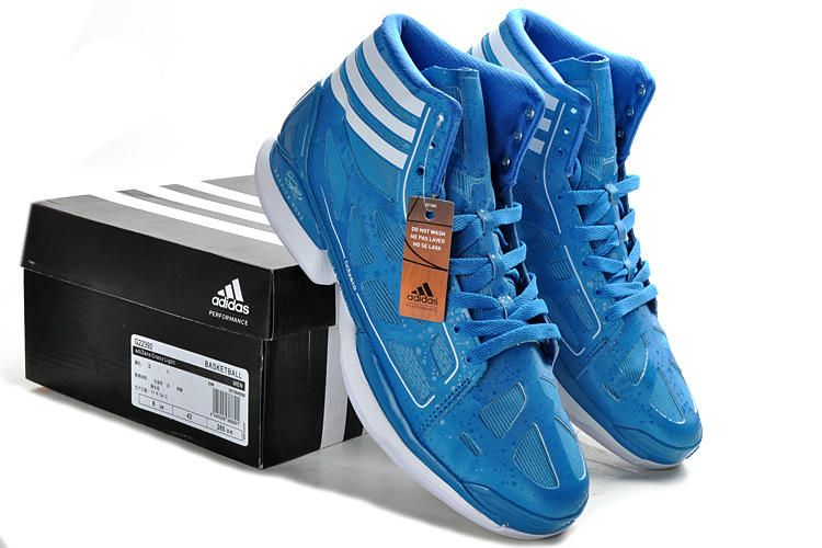 the best attitude a35b7 b2962 Derrick Rose 2012 adiZero Crazy Light Blue Moon White G22392