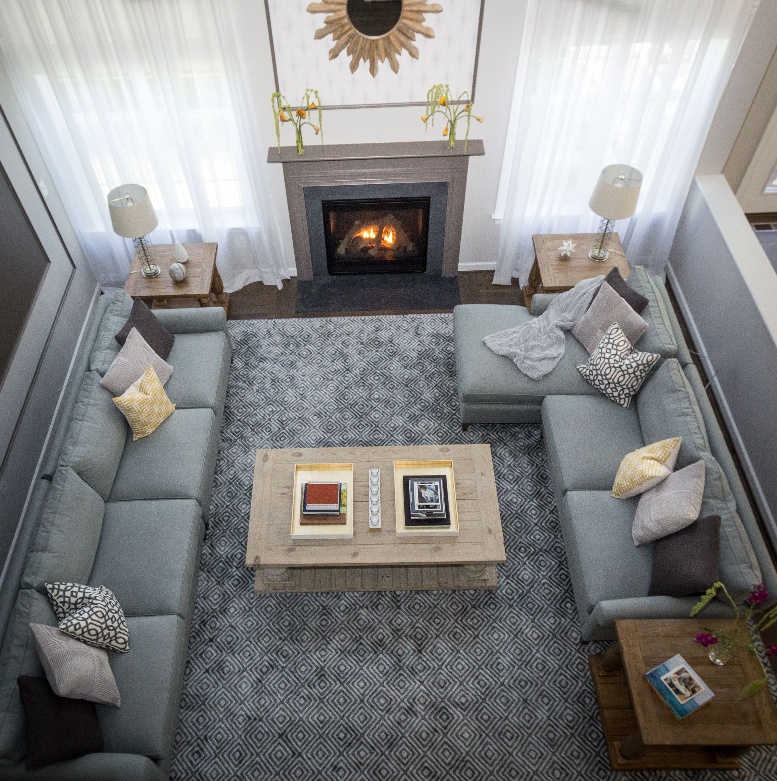 Contemporary & Elegant Living Room By #OlamarInteriors