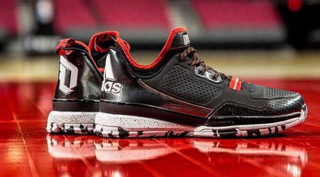 "9aa824b87b29 Damian Lillard Set To Rep adidas D Lillard 1 ""Rip City"" Shoe For The First  Time In An NBA Game"