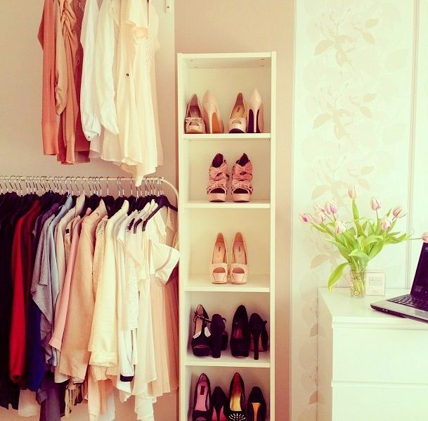 Love the book shelf in the closet for shoes!!!