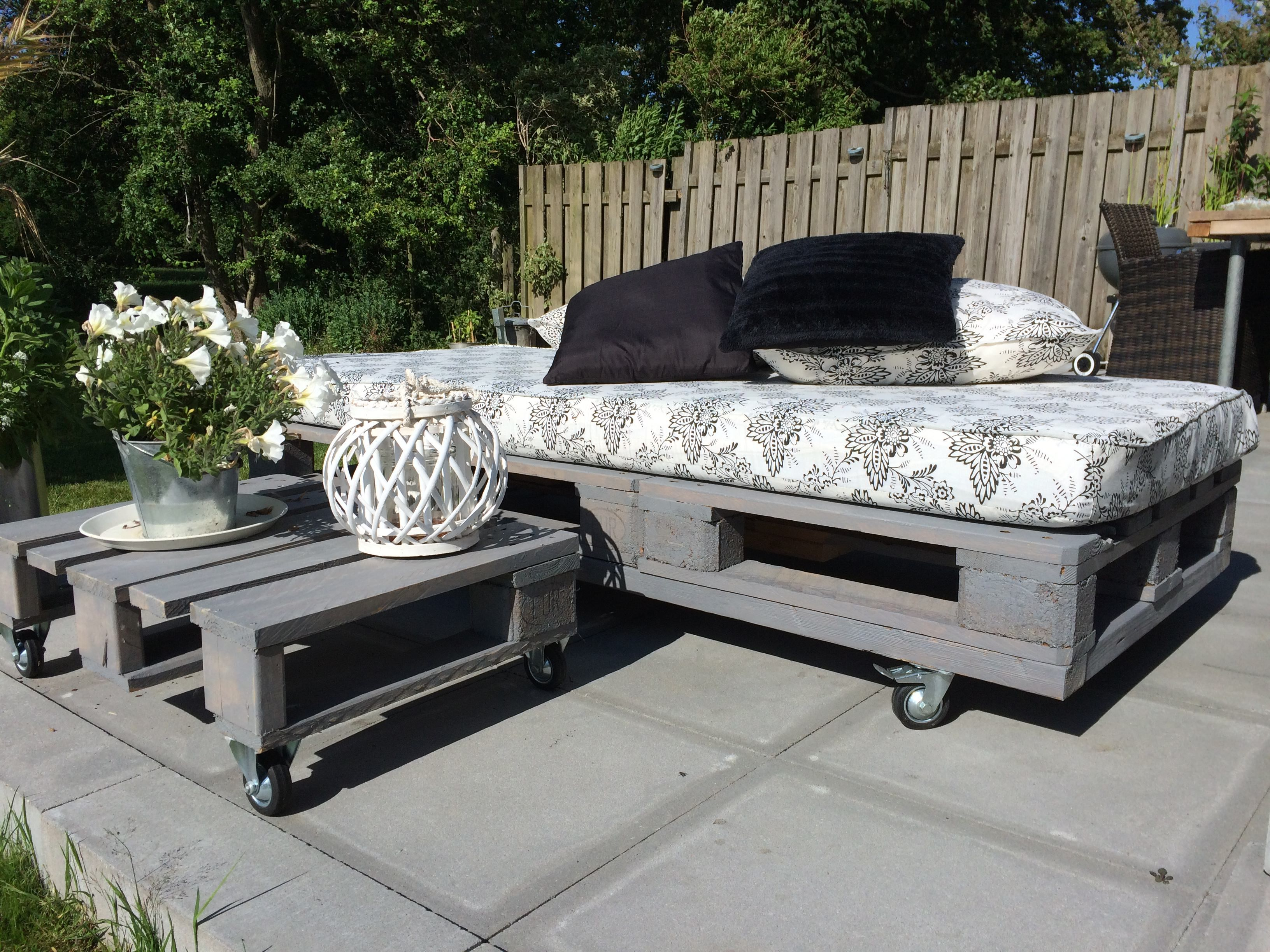 1,5 Pallets For This Modern Daybed 1001 Pallets