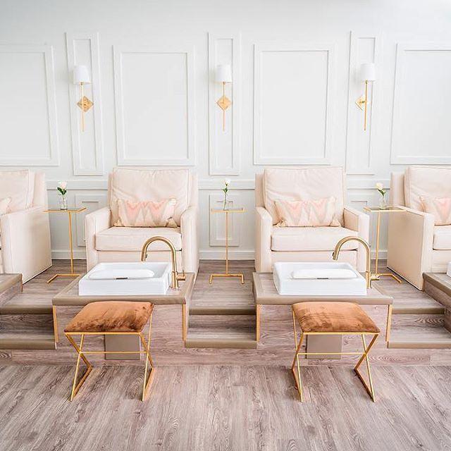 Footstools Mit Bildern Salon Nagel Schonheitssalon