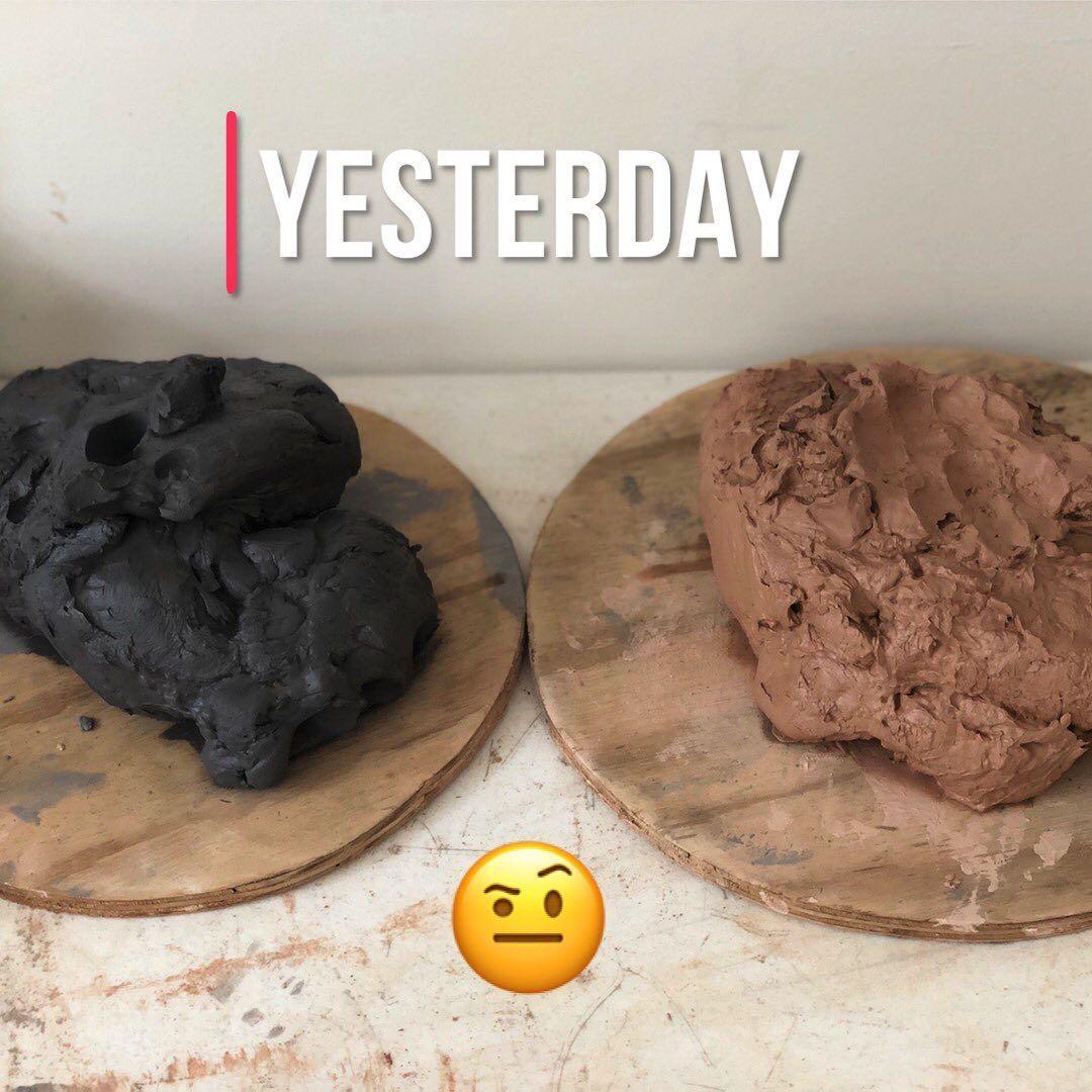 What a difference a day makes! 😁 . . . . . . #pottery #ceramics #keramiek #diy #imadeitmyself #hobby #ilovepottery #lovewhatido #mugs #tumblers #tumblersofinstagram #clay #mud #ceramicstudio #craftsmanship #avalon