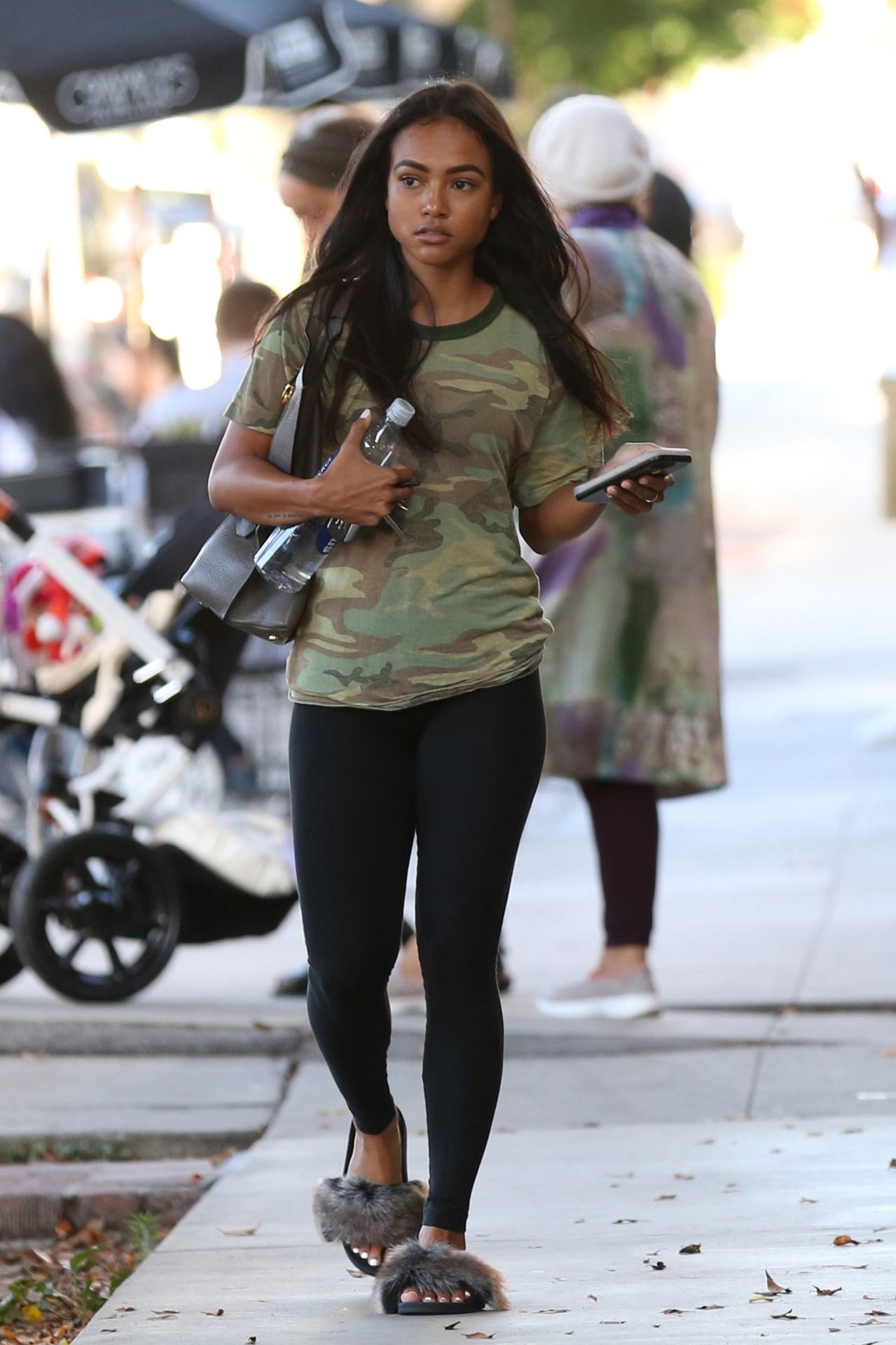 143d8e22fe76 September 1  Karrueche out in LA