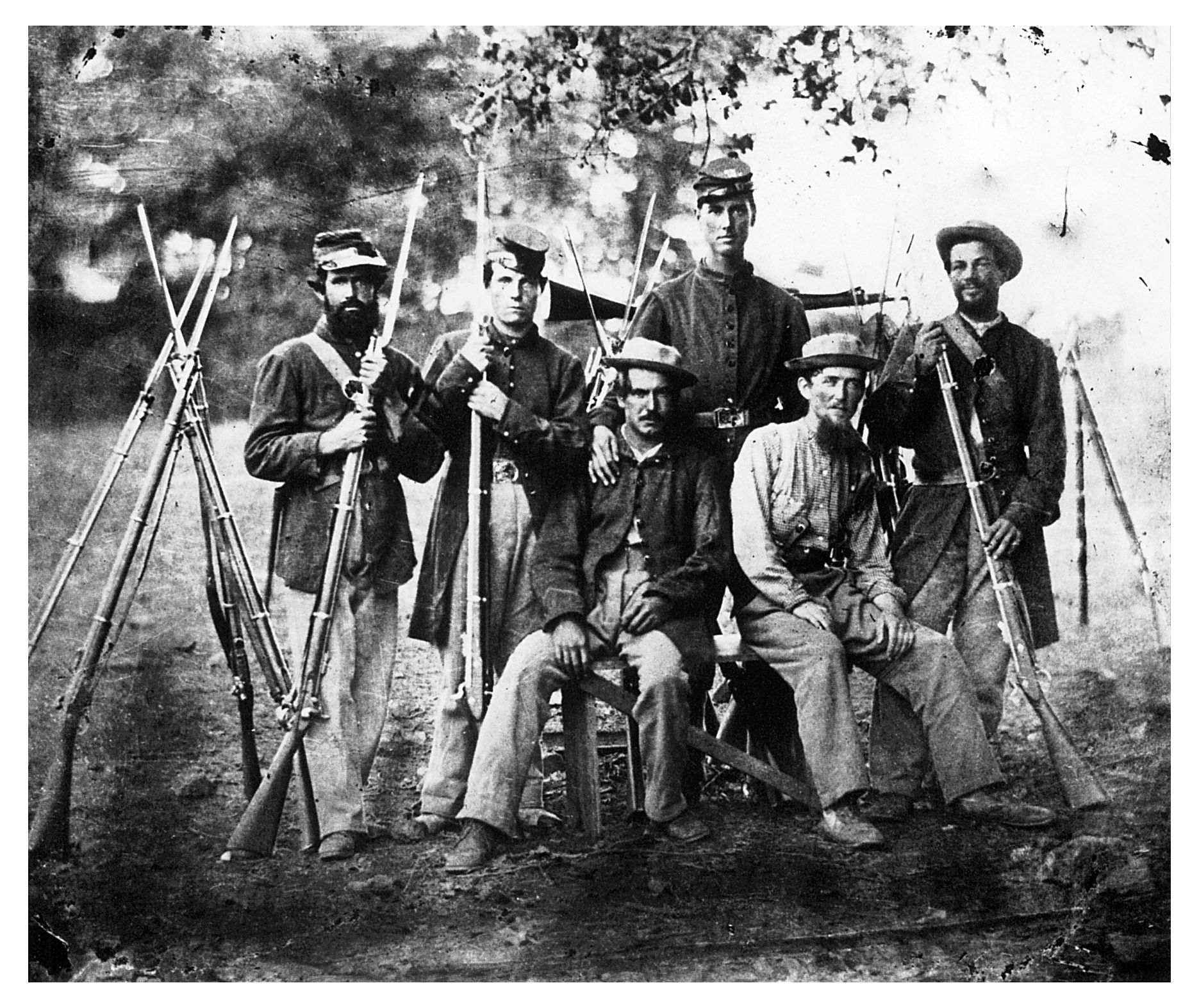 military life during civil war When war broke out in 1861, kids across the north and the south said goodbye to their fathers, brothers, uncles, and cousins -- or joined the military themselves as many as 20% of civil war .