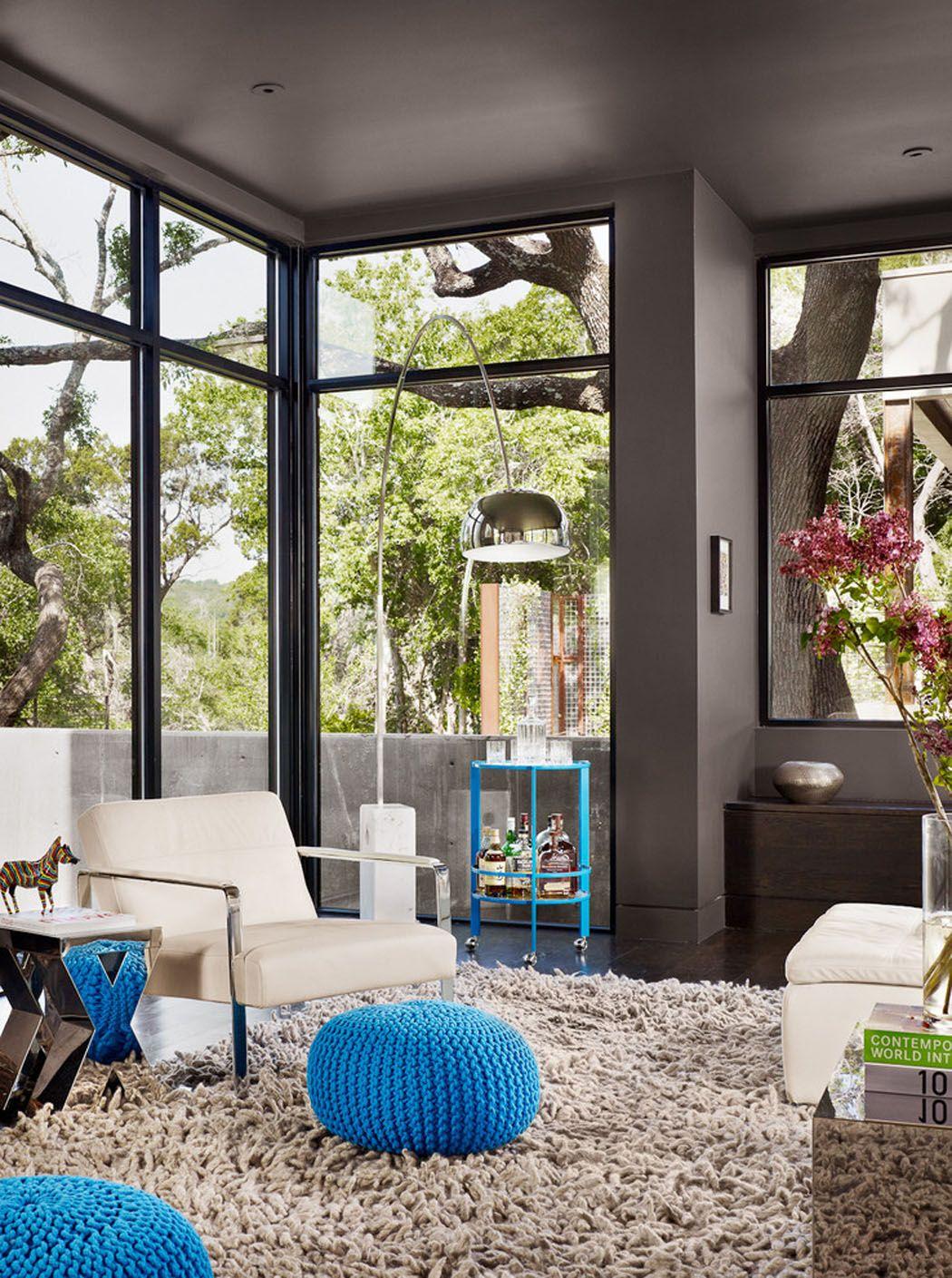 Belle maison rénovée au design moderne et déco contrastée à Austin ...