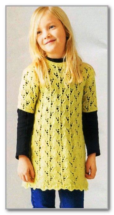 Спицами платье для девочки с коротким рукавом