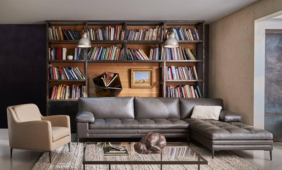 Superbe Canape D Angle Signe Duvivier Un Cuir D Exception Pour Un Design Parfait Coup De Soleil Mobilier Canapean Home Home Decor Sectional Couch
