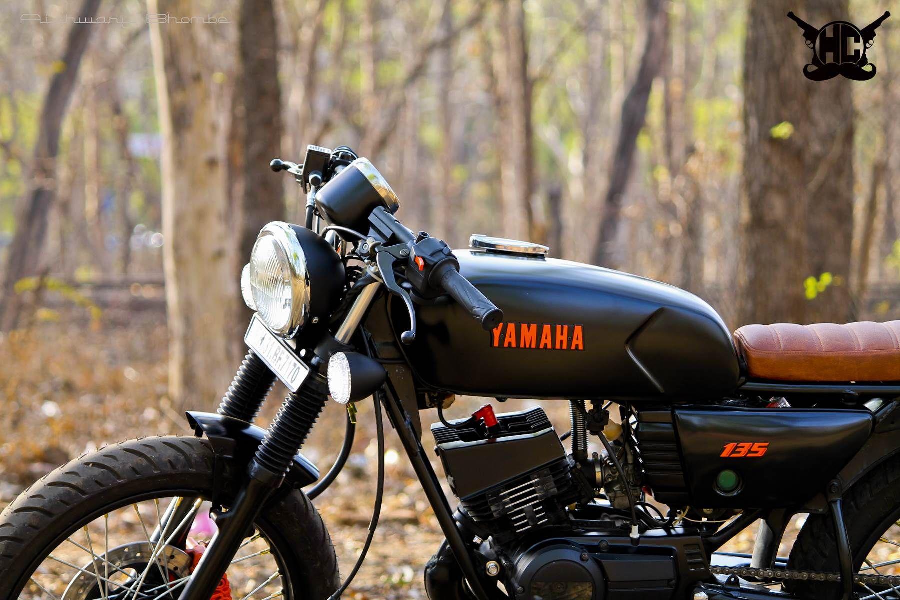 0 Amber Modified Yamaha Rx135 Cafe Racer Nagpur Hindustan Custom Cafe Racer Yamaha Yamaha Bikes