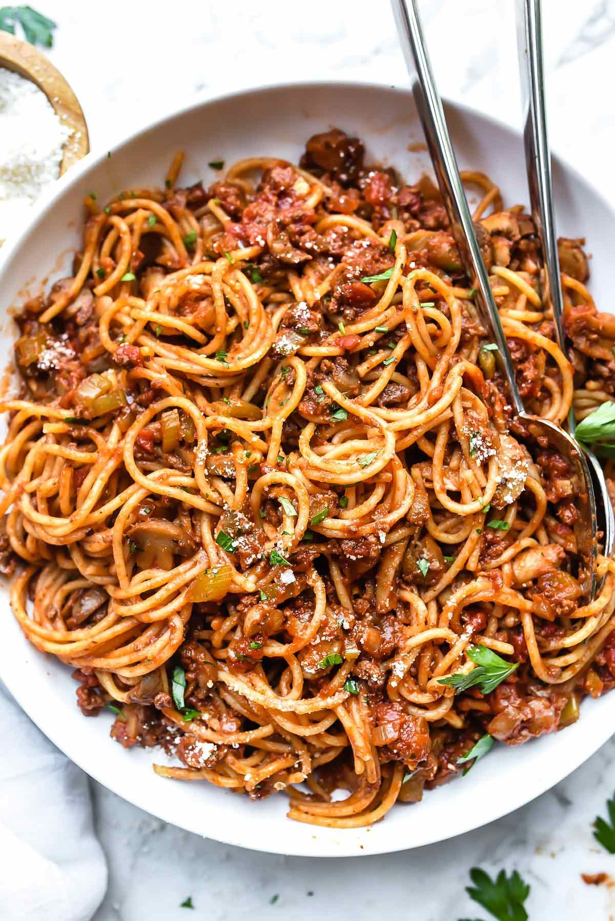My Mom S Easy Homemade Spaghetti And Meat Sauce Foodiecrush Com Spaghetti Meat Sauce Bol Homemade Spaghetti Pasta Making Recipes Homemade Spaghetti Sauce