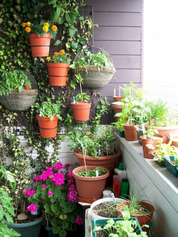Astounding 20 Most Inspirational Vegetable Garden That You May Try It Yourself Easily Http Small Balcony Garden Terrace Garden Design Backyard Garden Landscape