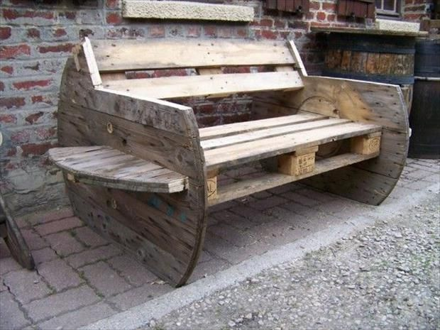 amazing uses for old pallets 35 pics paletten pinterest balkon blumen kabeltrommel und. Black Bedroom Furniture Sets. Home Design Ideas
