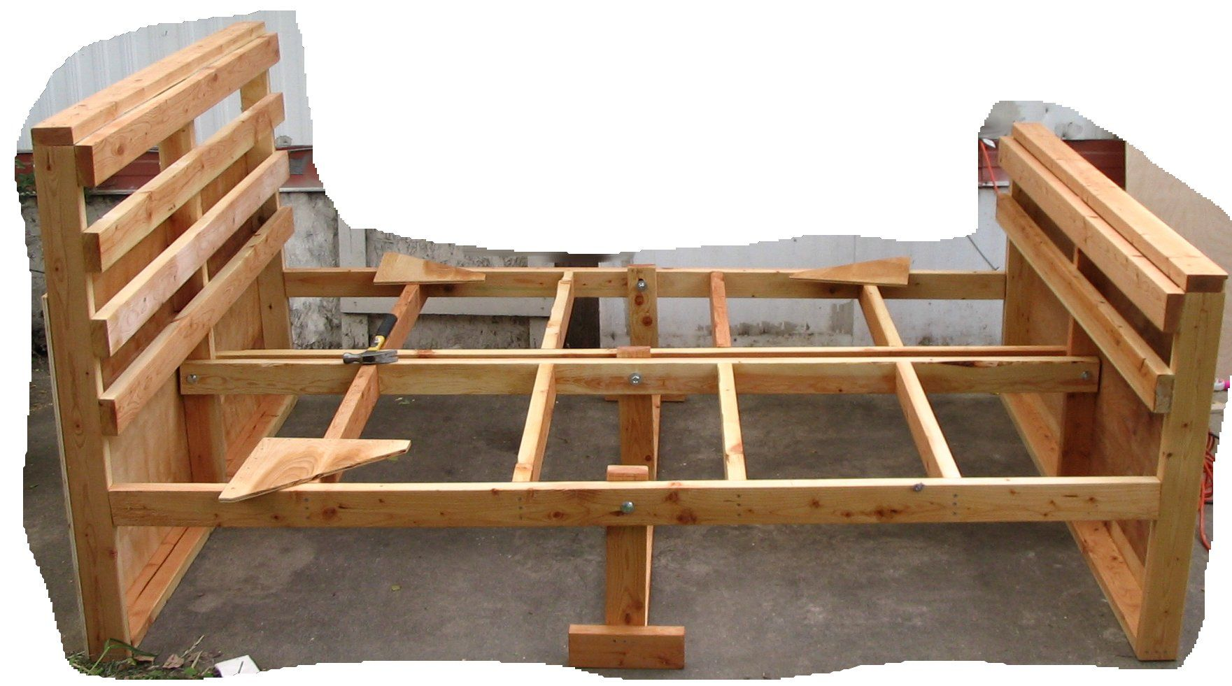 Woodworking plans bed frame plans free free download bed for Build your own canopy bed