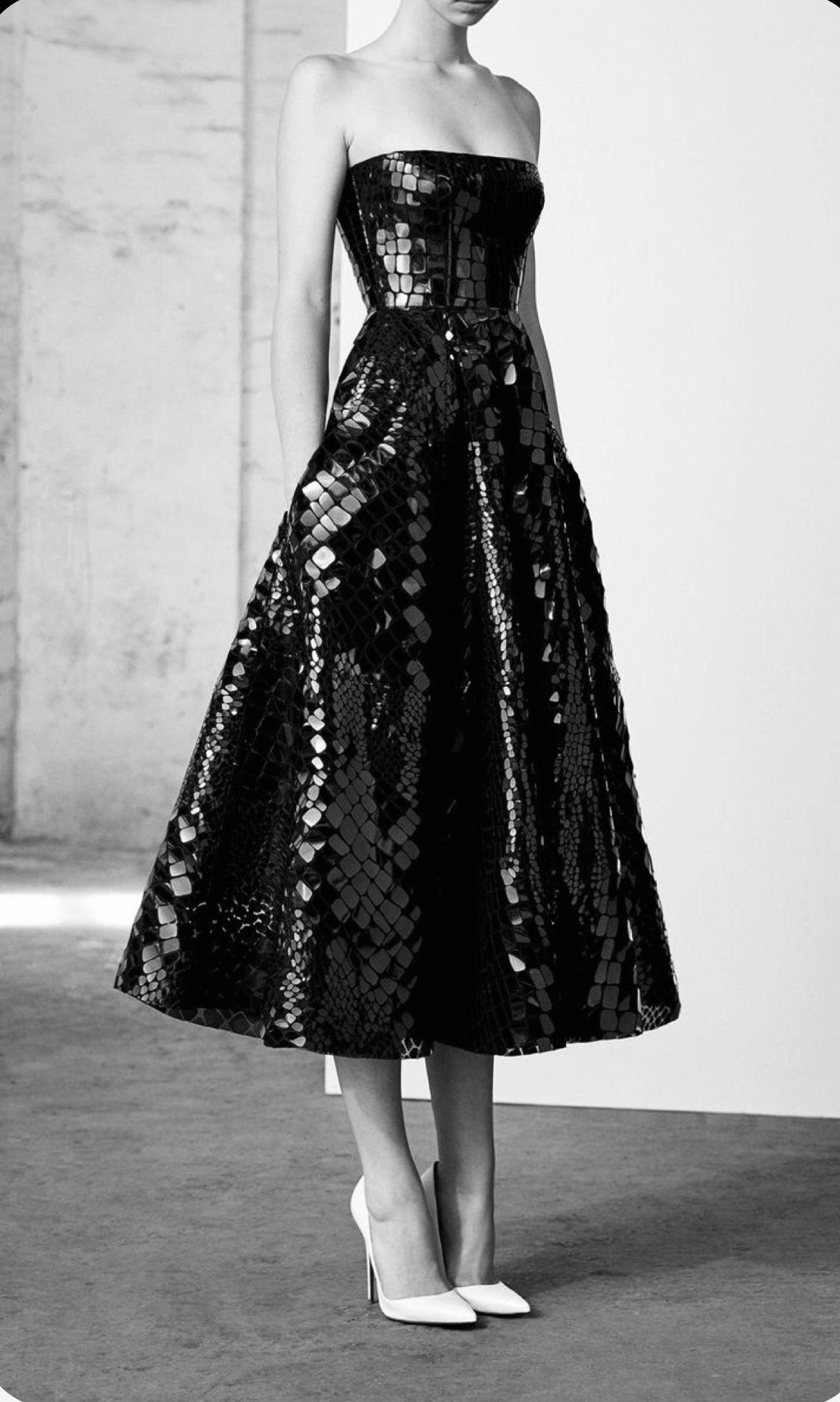 Pin By Cathreen Benny On Little Black Dress Strapless Midi Dress Pretty Dresses Dresses [ 1964 x 1177 Pixel ]