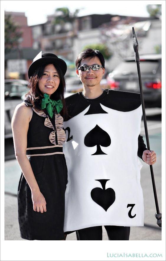 Mad Hatter Tea Party Diy Halloween Costumes Easy Card Costume Alice In Wonderland Costume