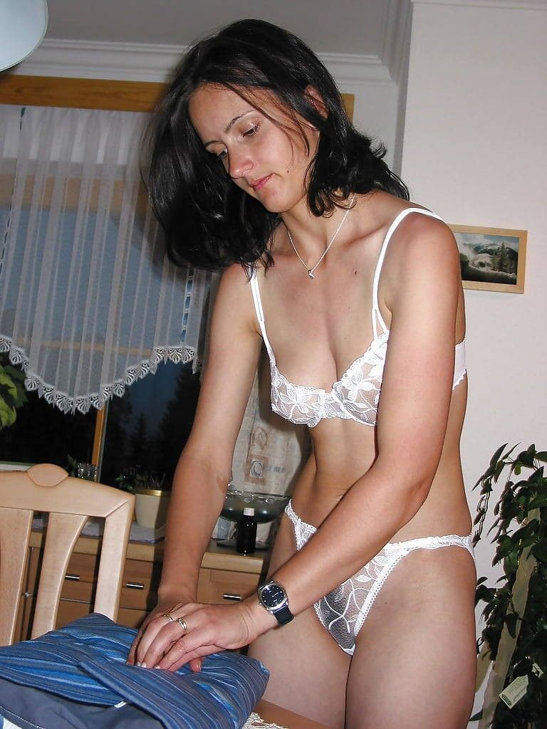 Amateur wife no panties