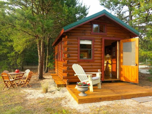 A Cozy Tiny Log Cabin Nestled Next To A Lake In Livingston New
