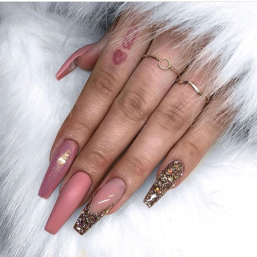 52 Photos Of Super Trendy Nails 2019 Page 38 Of 52 Nail Designs Manicure Blog Trendy Nails Curved Nails Glitter Nails
