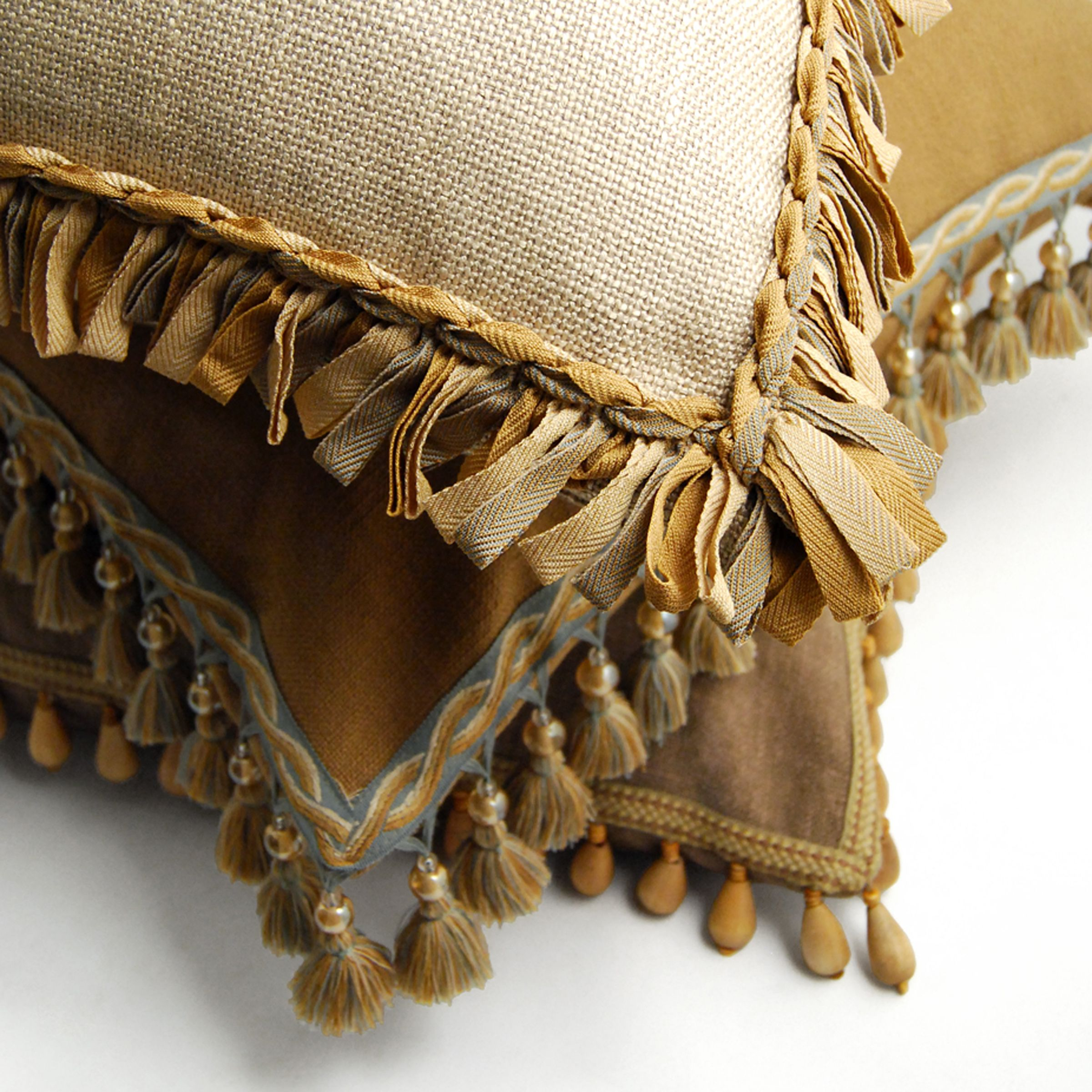 Hamptons Collection Brimar Trim Rustic Decorative